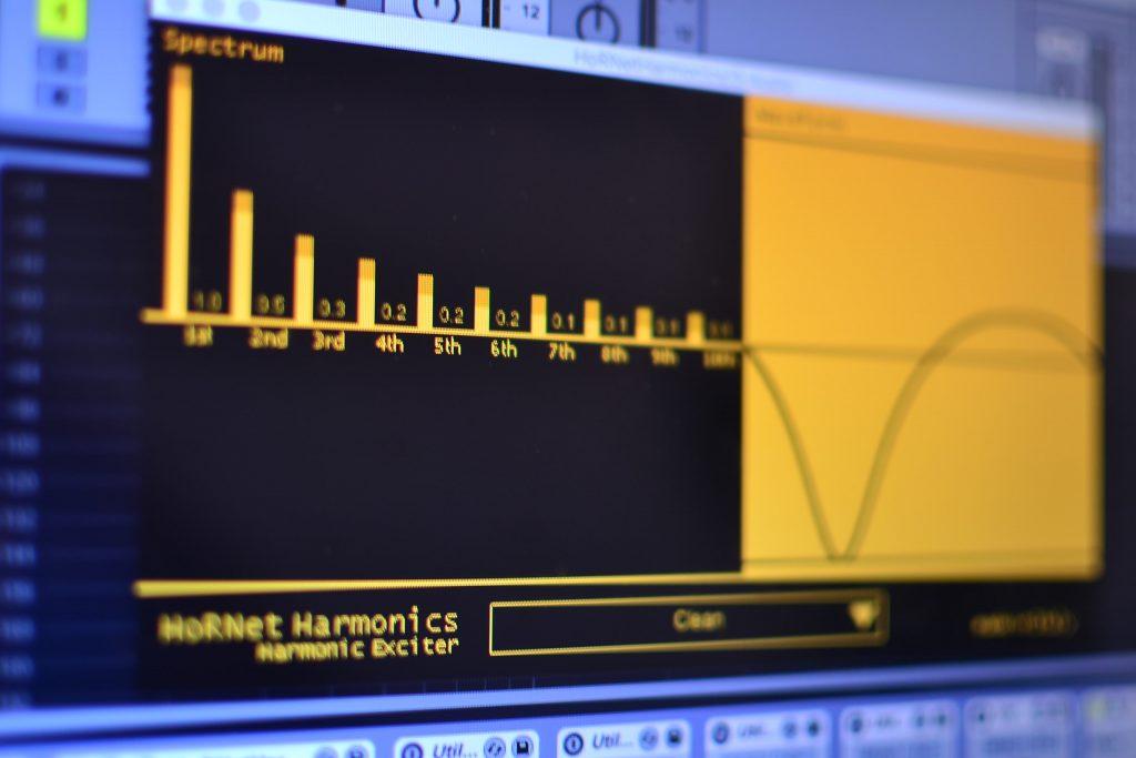 HoRNet Harmonics, free waveshaper VST, AAX and Audio units