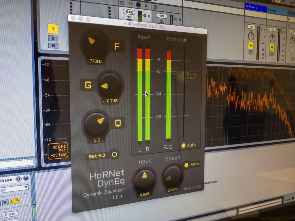HoRNet DynEQ, dynamic equalizer plugin with intelligent auto threshold